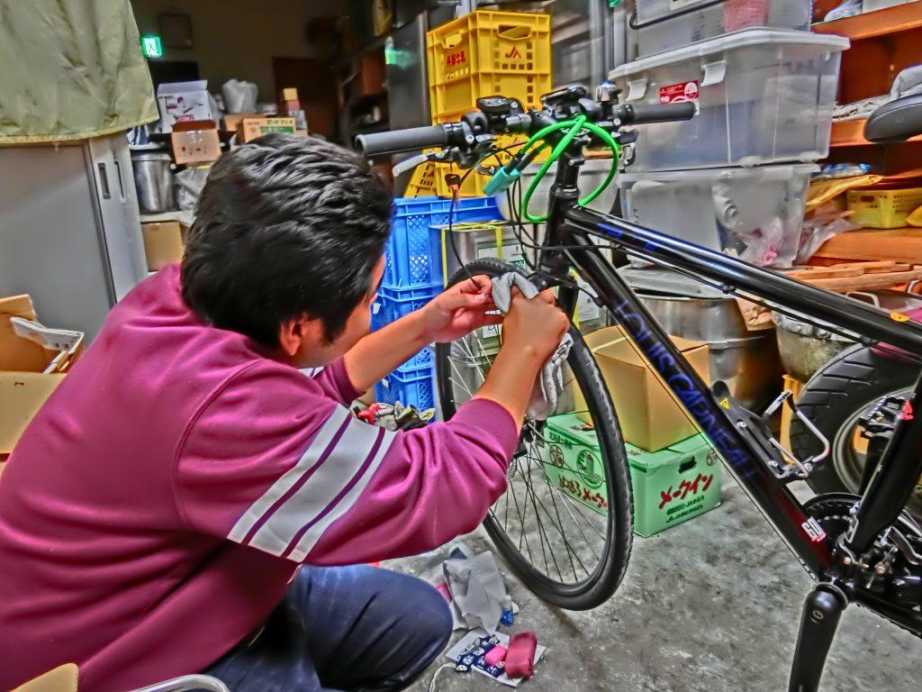 洗車道場 自転車をピカピカに仕上げる