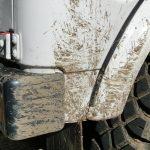 山に行くから泥だらけ 弟のスズキジムニーJA11を水洗い