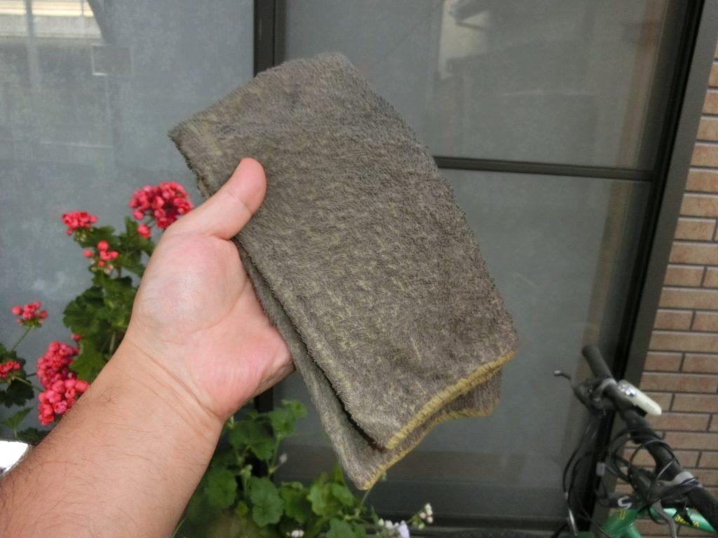 窓ガラスコート、ピッチレスコートで使用して汚れたタオルはどのように洗ったらよいものでしょうか?