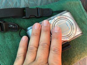 スズキキャリィのくすみまくったズタボロドアバイザーにツヤ輝きと透明度を取り戻す